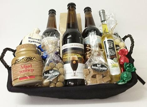 Gave til bedstefar » gavekurv med øl og lækkerier