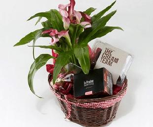 Gavekurv med blomster