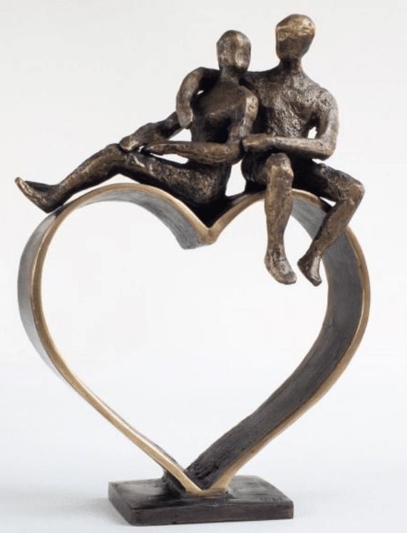 Skulptur til guldbryllupsdagen – kunst der ikke går i glemmebogen