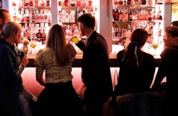 Gave til par » Cocktails Snacks for to paa Bar Plata