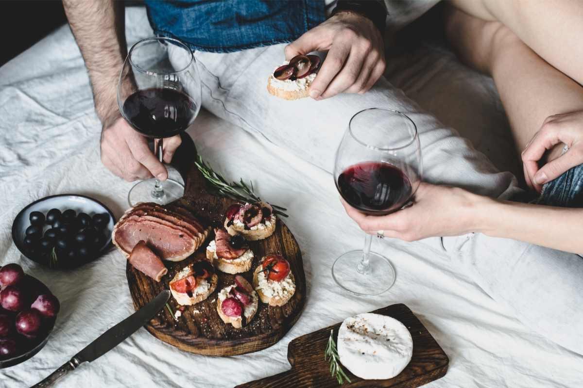 to personer der nyder et gourmetophold